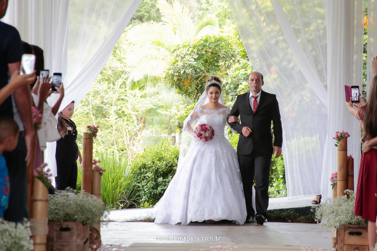 entrada da noiva fotografia de casamento foto e video de casamento, wedding, noiva feliz
