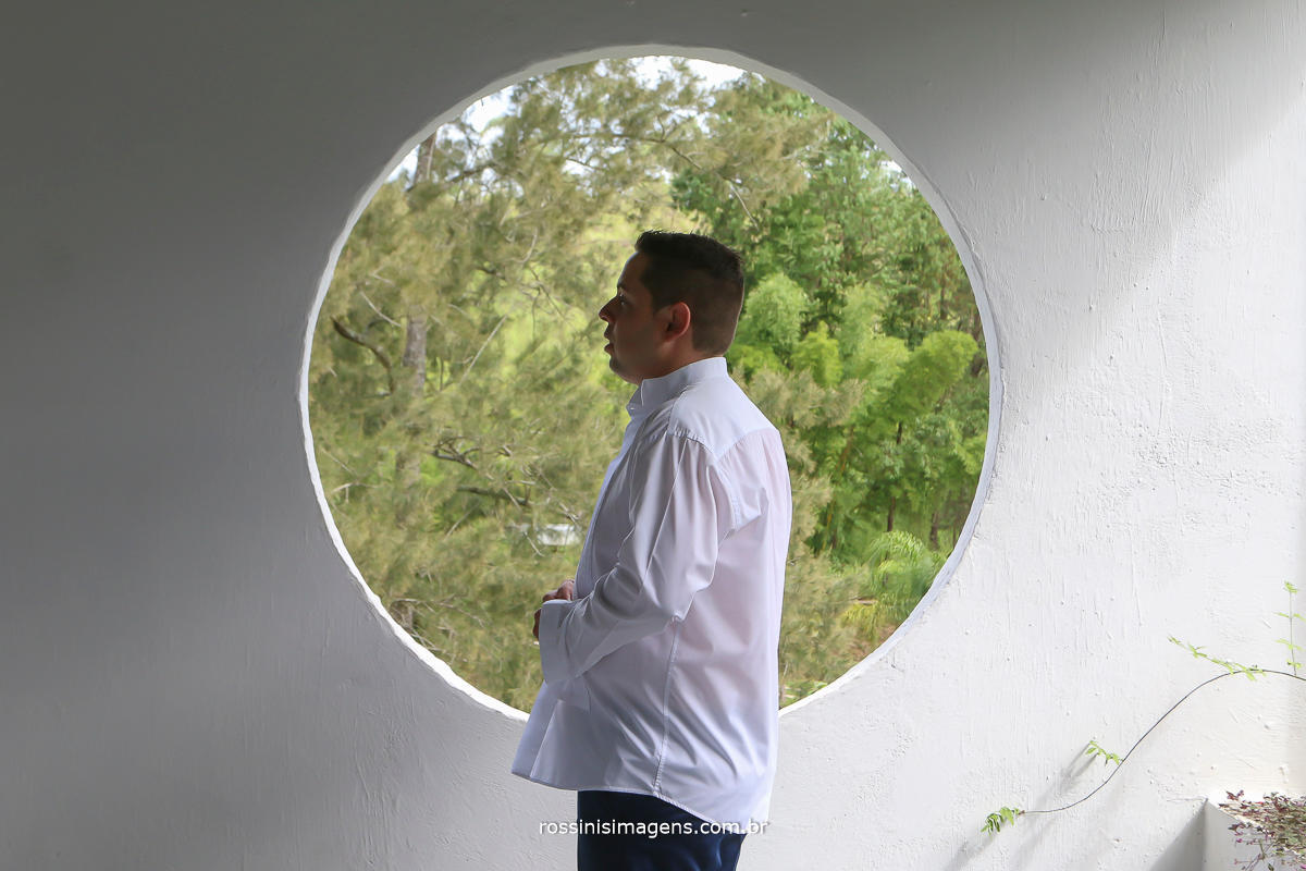 making of do noivo no espaço da cerimonia, chácara recanto verde, fotografia e vídeo de casamento rossinis imagens