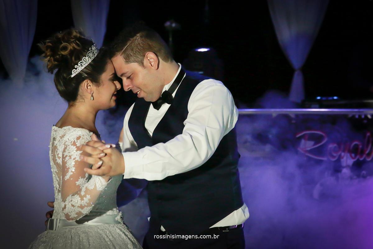 dança dos noivos, som e iluminação Royal som,  DJ ricardo Royal, fumaça de gelo seco