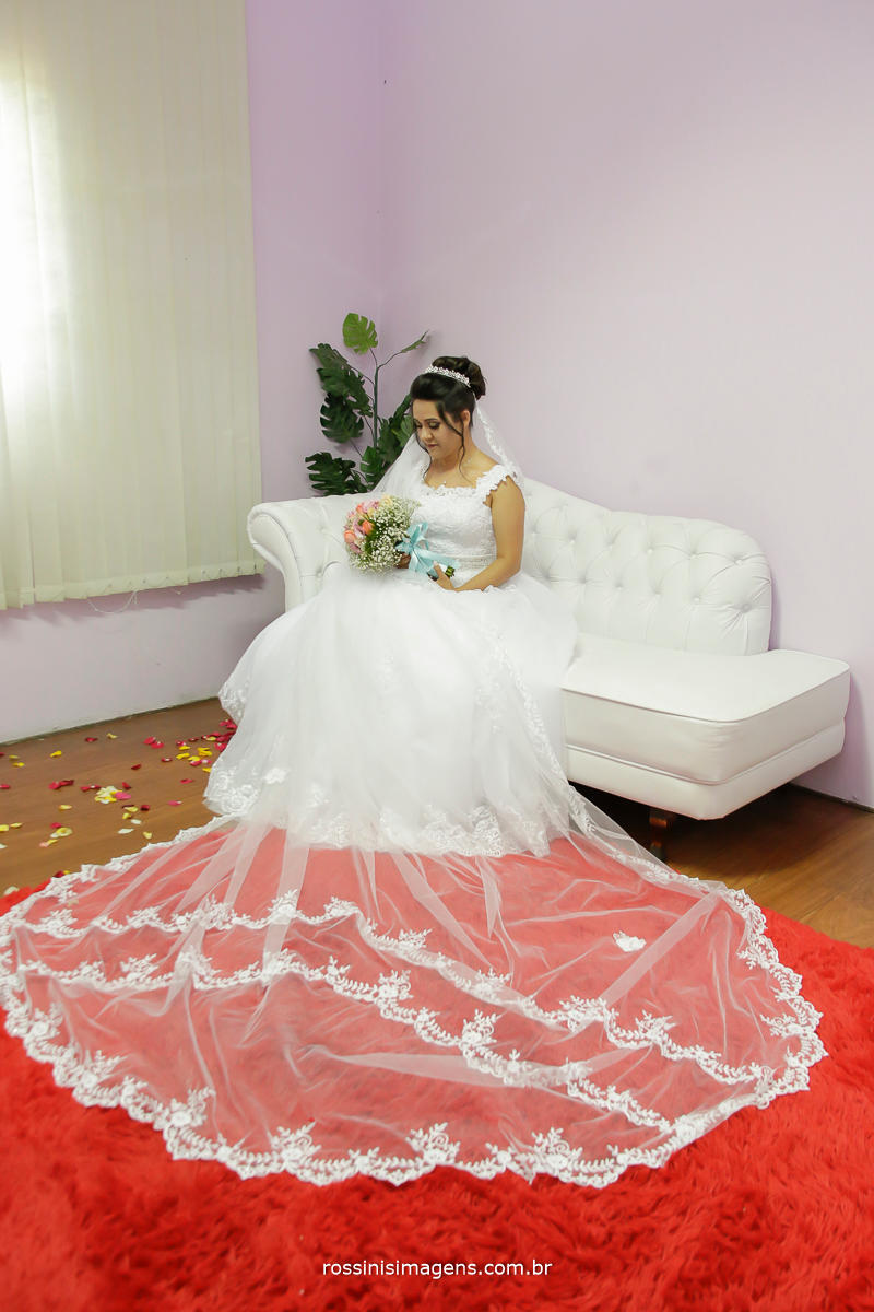noiva pronta para a cerimonia de casamento em suzano, fotografia e video rossinis imagens