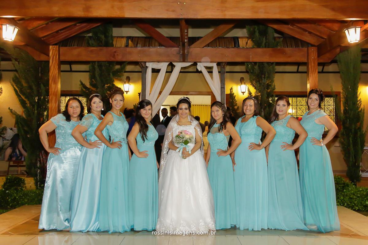 fotografia de casamento foto da noiva com a madrinhas, fotografia de casamento, madrinha, wedding day, rossini's imagens