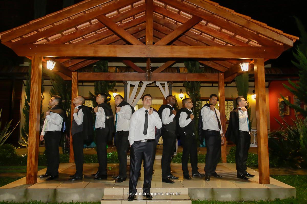 fotografia de casamento noivo com os padrinhos, fotografia de casamento coletiva com os padrinhos, noiva e padrinhos na foto, rossini's imagens