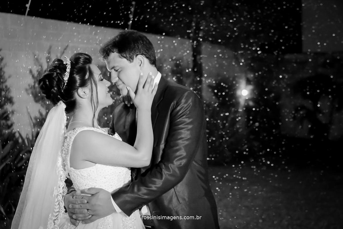 fotografia de casamento na chuva, fotografia de casamento de noite, fotografo de casamento em suzano sp- fotografo de casamento em são paulo - sp, rossinis