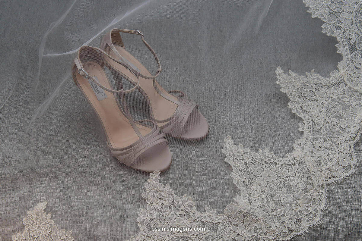 sapato da noiva, mantilha da noiva, sapato e mantilha da noiva, making of da noiva, Rossinis imagens fotografia e vídeo de casamento!