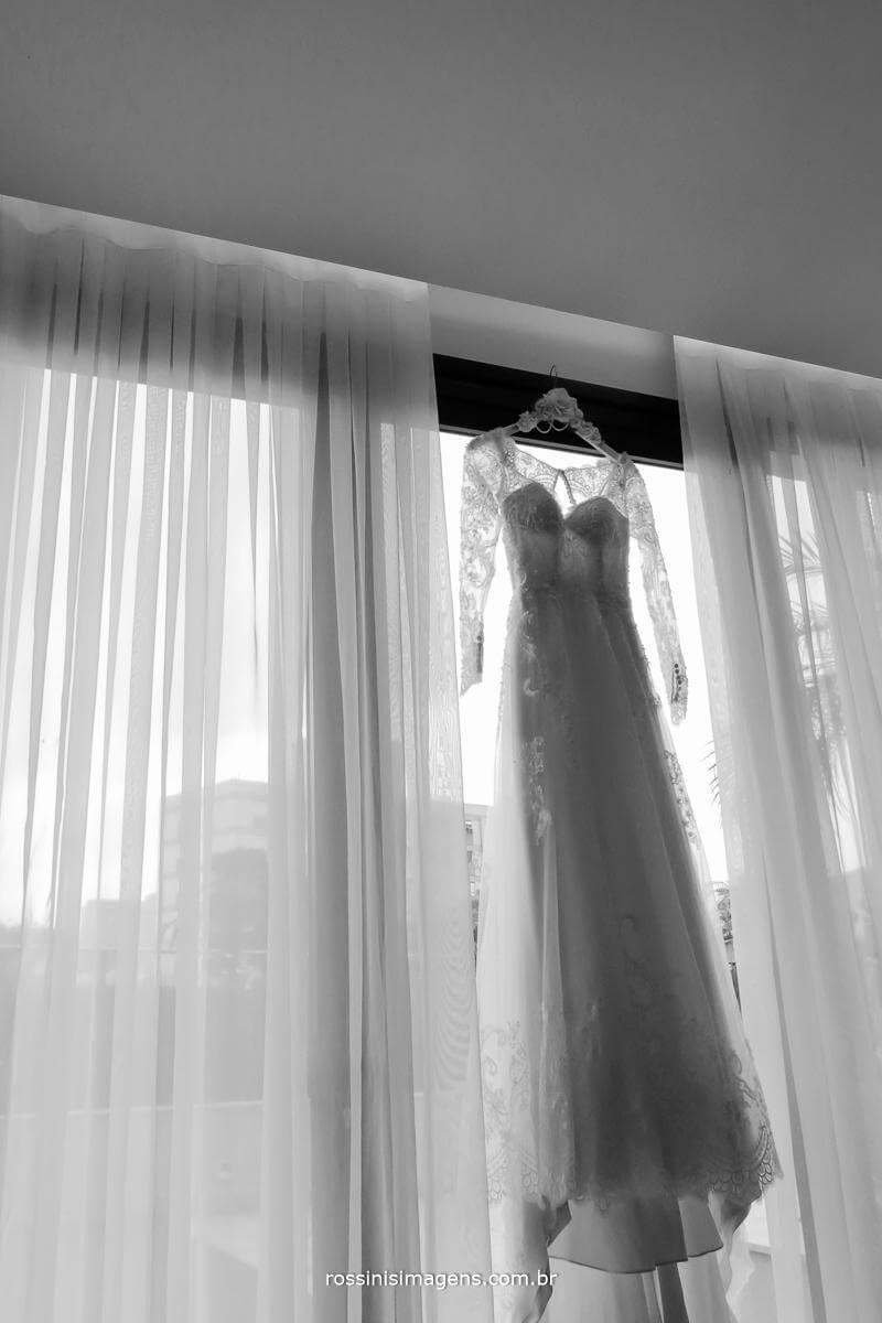 fotografia de casamento vestido branco incrível de noiva fantástica, Rossinis imagens fotografia e video de casamento