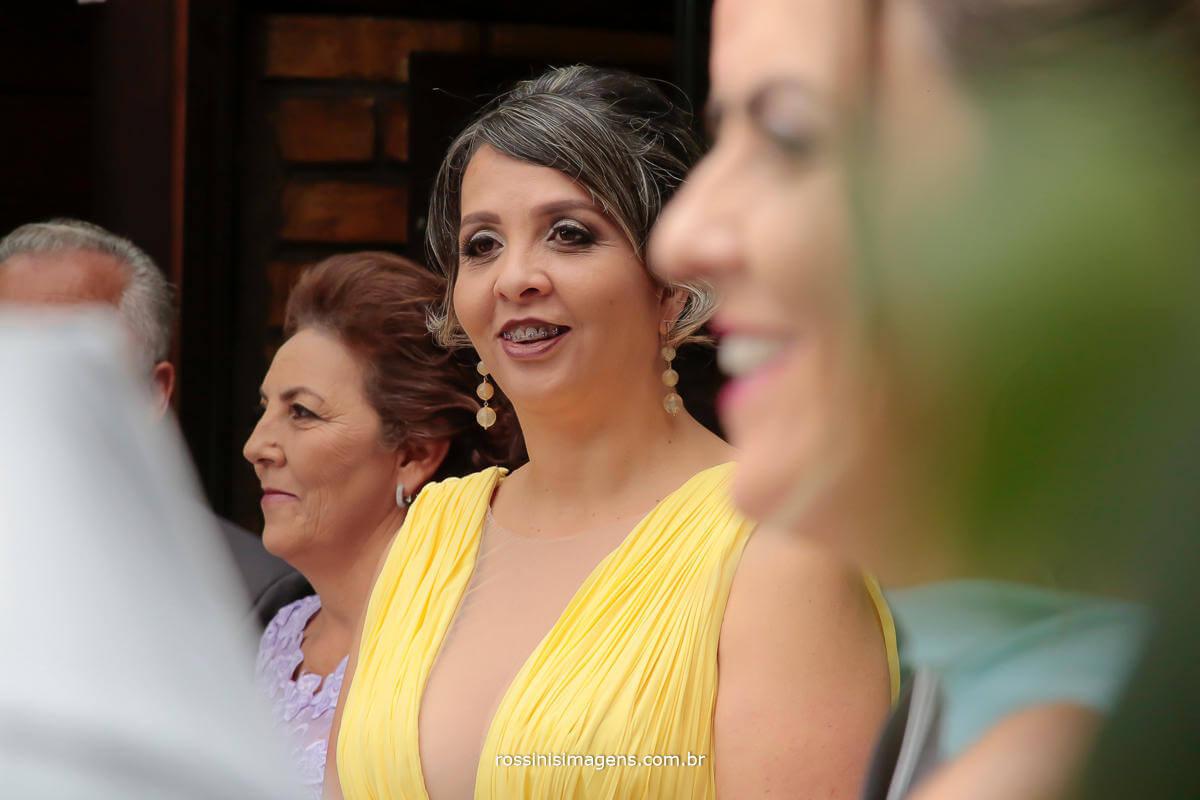 mae e tia na entrada da noiva, Rossinis Imagens - Fotografia e Video de Casamento