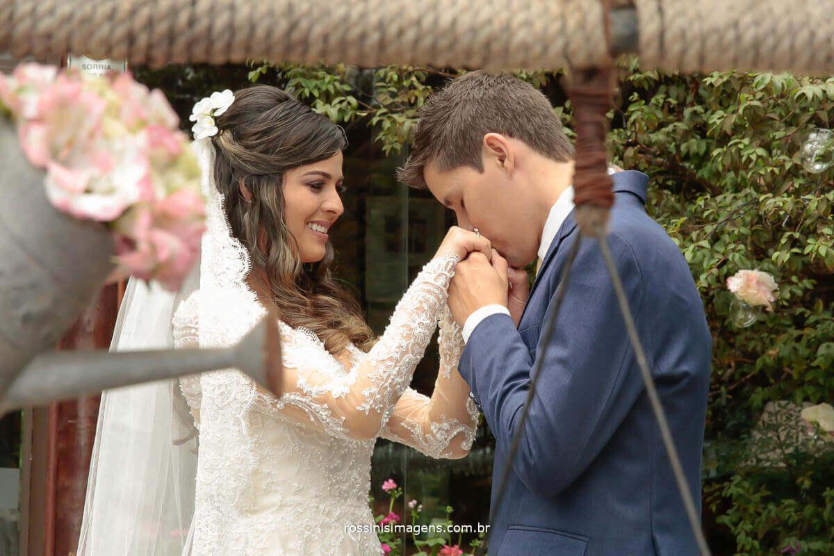 sessão de fotos com o casal, casal apaixonado, casal romântico, casamento Thais e Alexandre, Fotografia de Casamento - rossinis Imagens, Filmagem de Casamento - Rossinis imagens