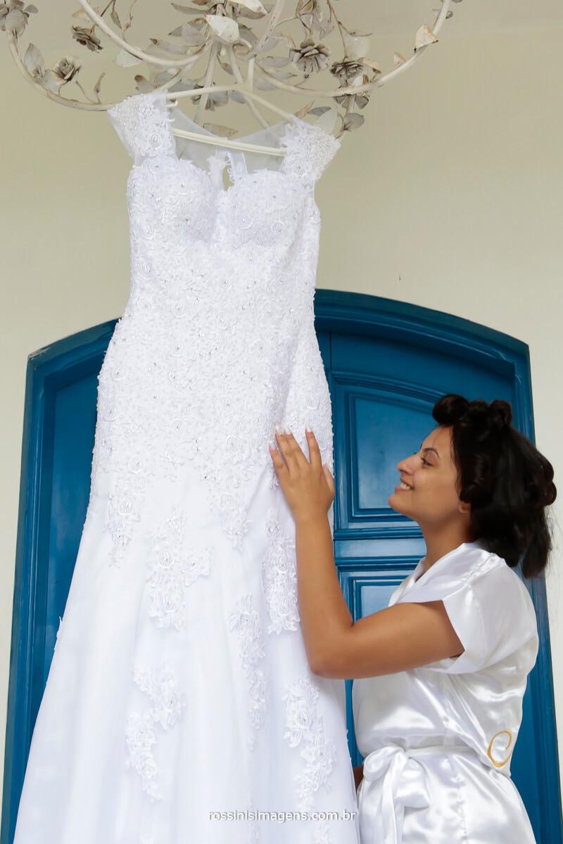 fotografia e vídeo de casamento noiva e o vestido