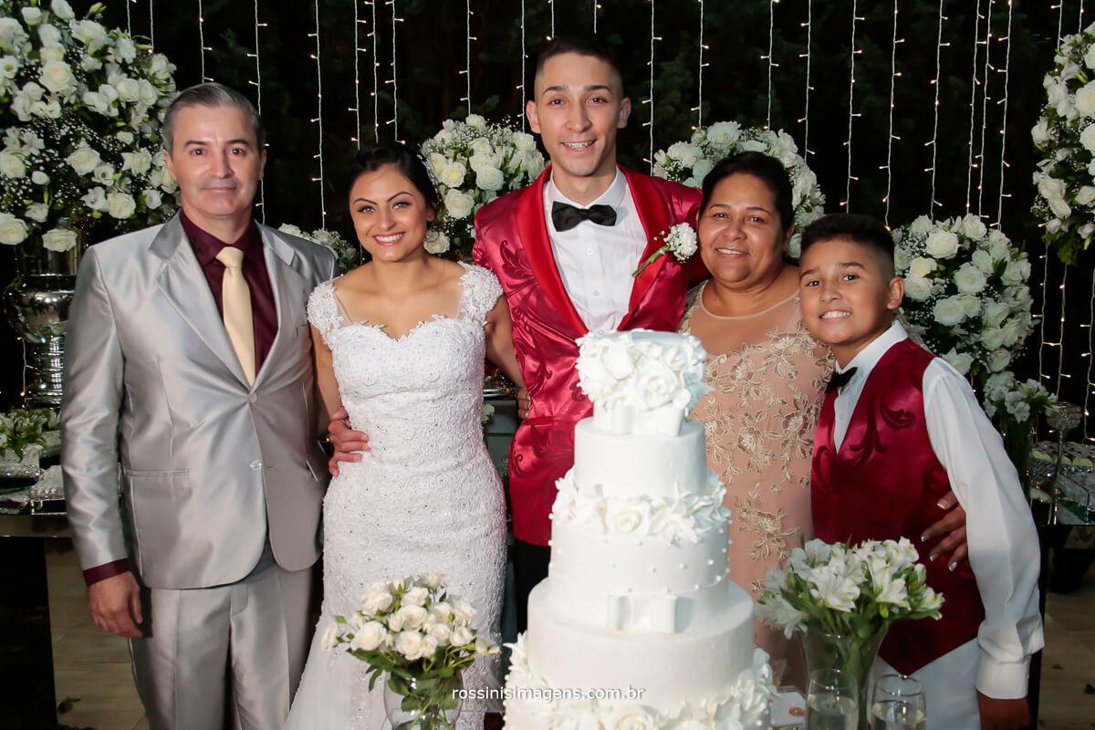 família do noivo Daniel, seu pai, sua mãe e seu irmão, família linda, Rossinis Imagens fotografia e video de casamento