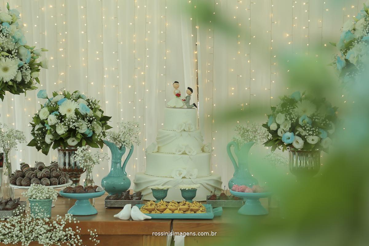 linda mesa do bolo feita pela Rogini Rosa decorações