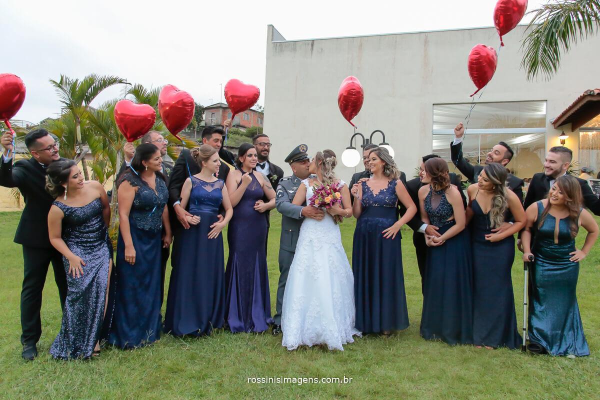 fotografia de casamento noivos e padrinhos e madrinhas juntos em uma fotografia registrando o momento dessa união rossinis imagens foto e video, wedding day bride, love wedding