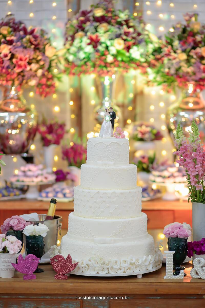 fotografia de casamento mesa do bolo, incrível feita pela FV decorações mogfi das cruzes, fotografia e filmagem, Rossinis imagens casamento