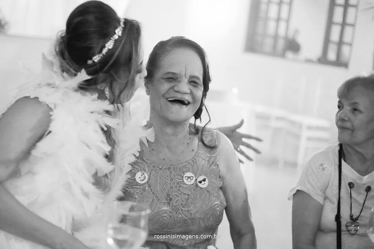pista de dança mãe e filha noiva e mãe , geração família, momentos que não voltam atrás