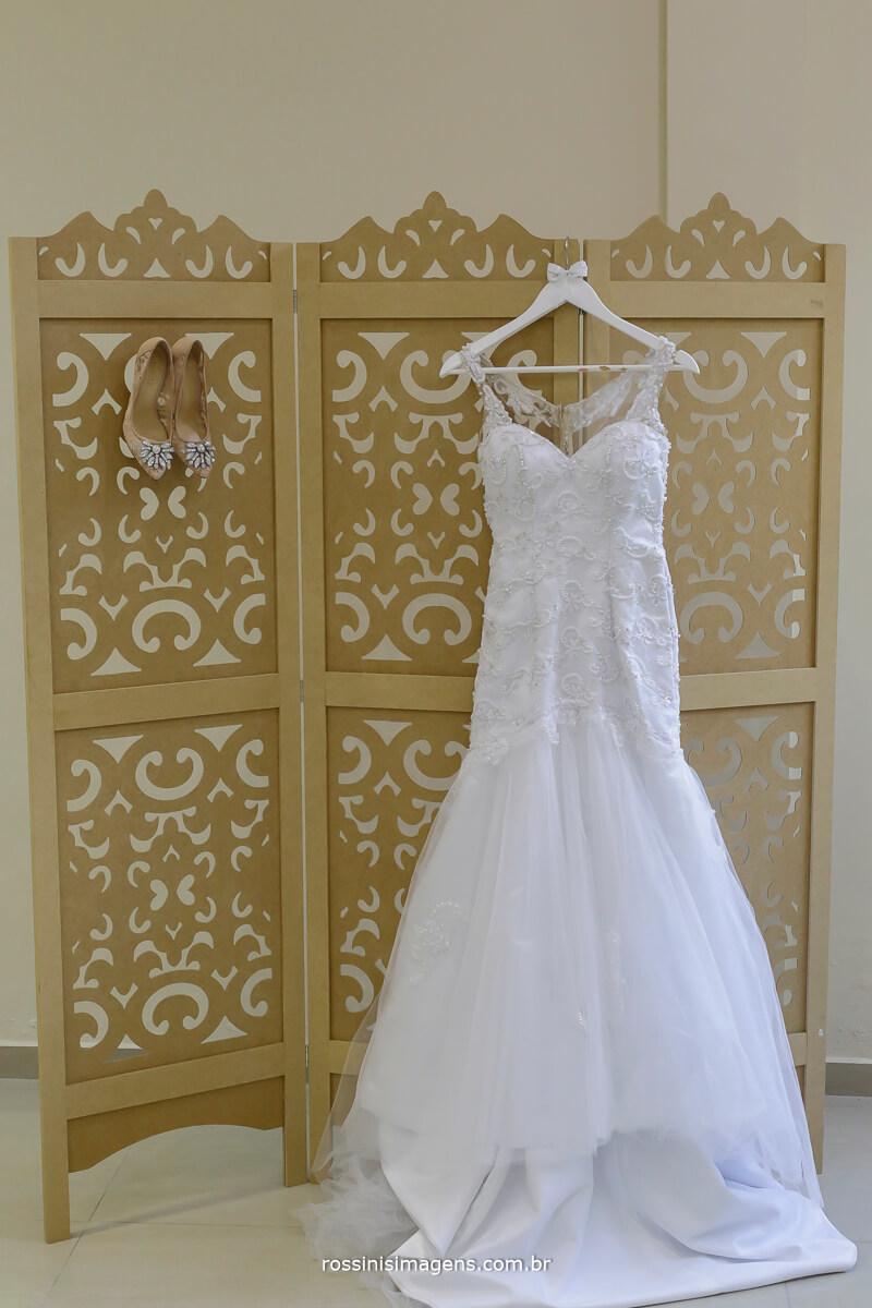 vestido da noiva em garden fest aruja, fotografia e video de casamento, rossinis imagens, filmagens