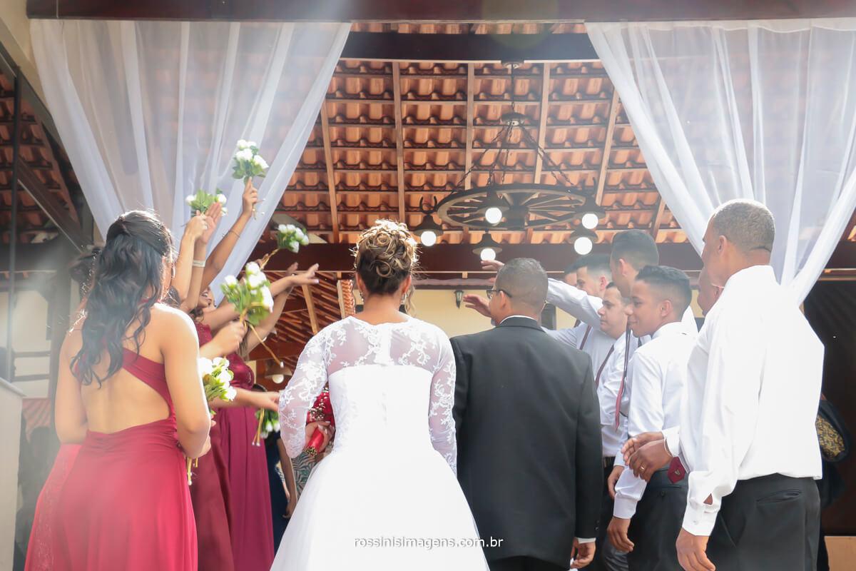 recepção do noivos na chacara, fotografia de casamento rossini's imagens, rossinis, ferraz, suzano, poa, mogi, são paulo