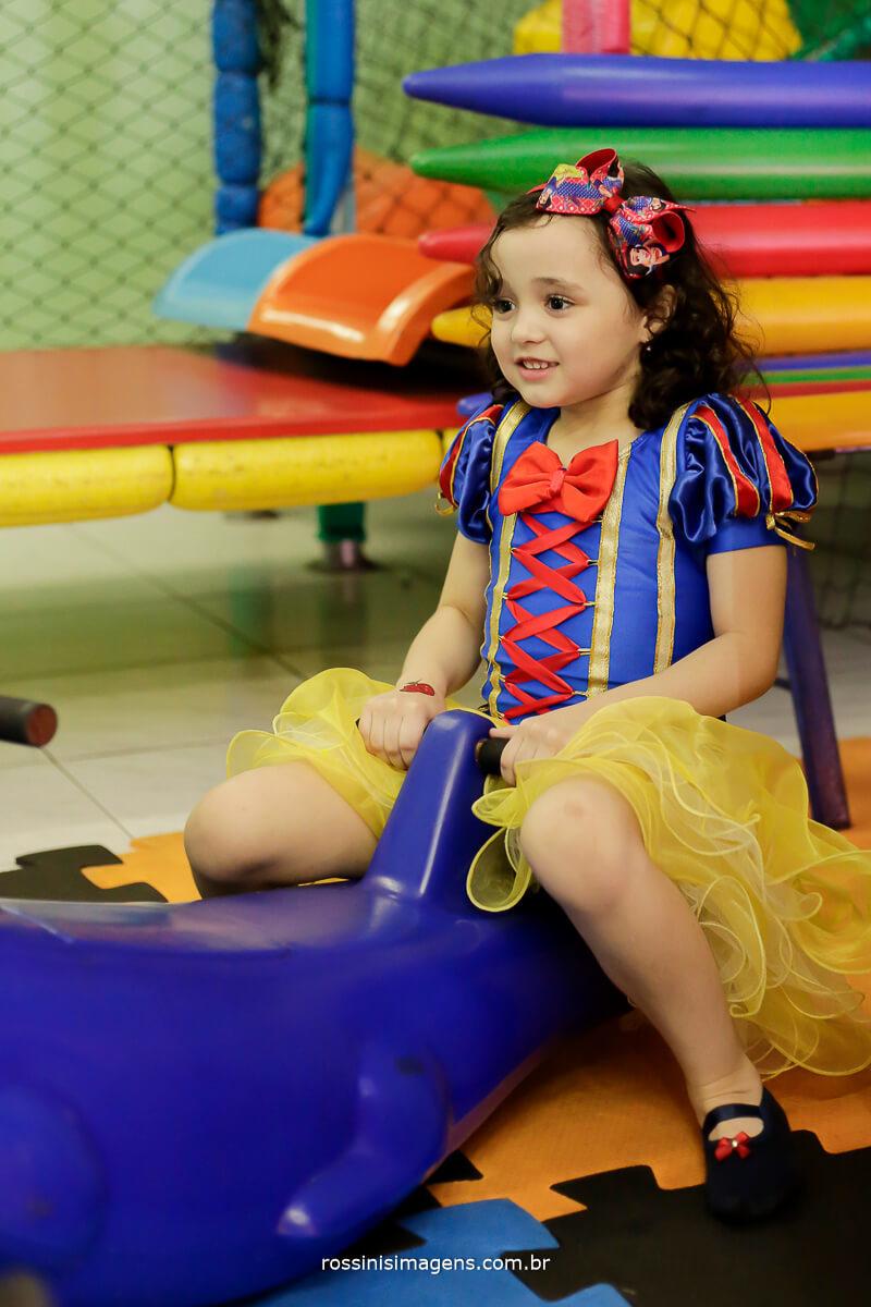 nana brincando, buffet infantil festa de aniversario para criança, park kids suzano e rossinis imagens
