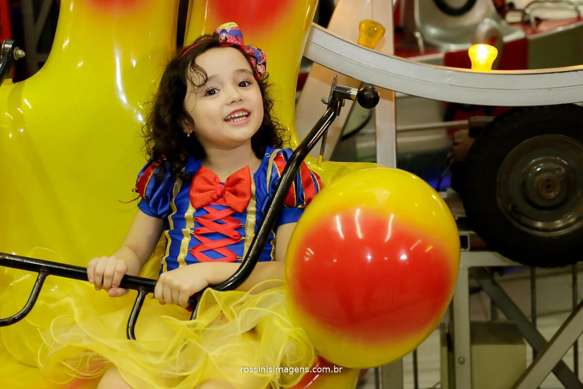 rossinis imagens fotografia e filme de festa infantil