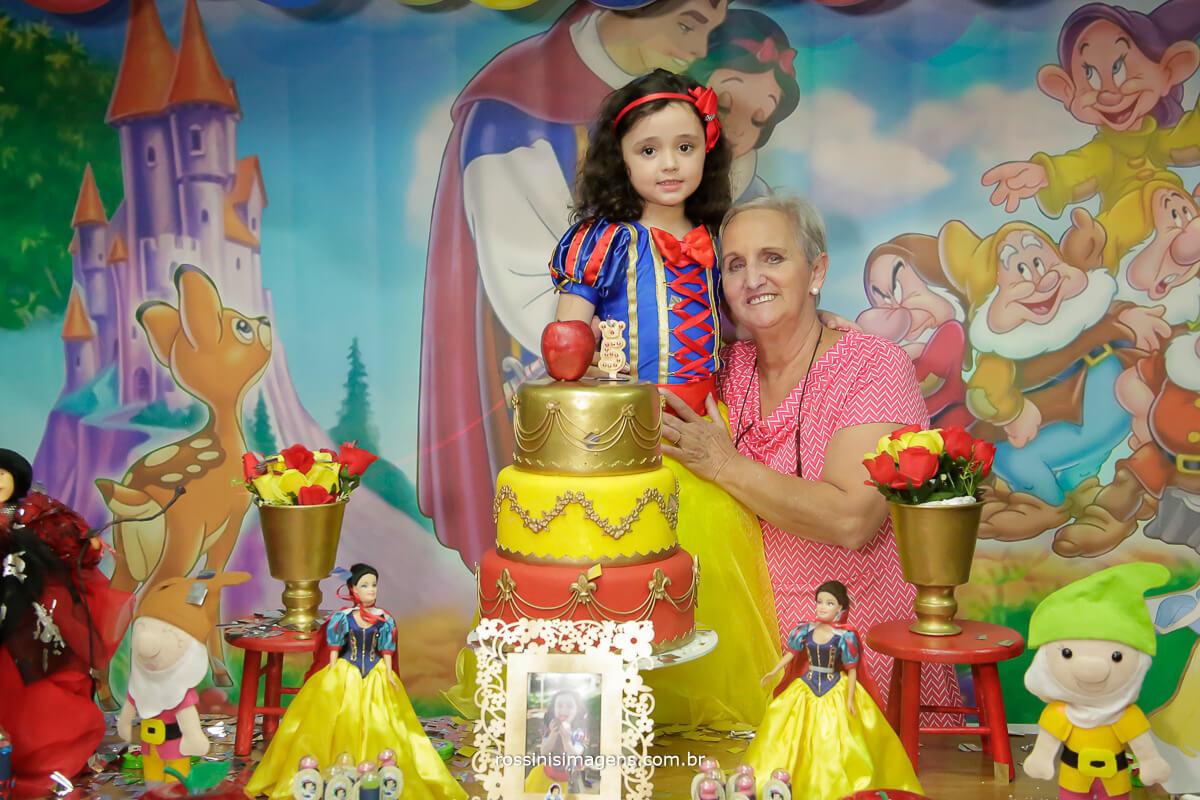 aniversariante a avó, fotografia para festa de aniversario, Ferraz, Poá, Suzano, Mogi, Arujá, Guarulhos, Zona Leste, Zona Oeste, Zona Norte, Zona Sul, São paulo, fotografo, buffet infantil