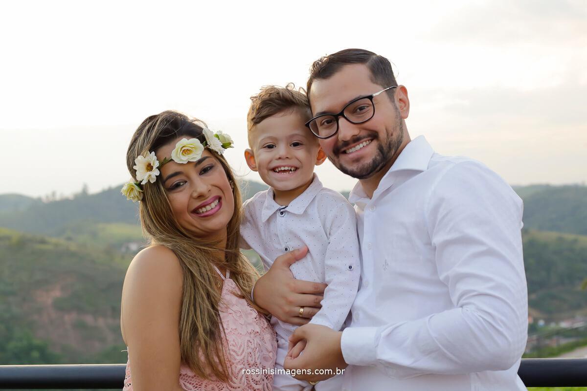 ensaio fotográfico em Guararema no mirante do prefeito, por rossinis imagens casal adhan e Andreia eo pequeno arthur