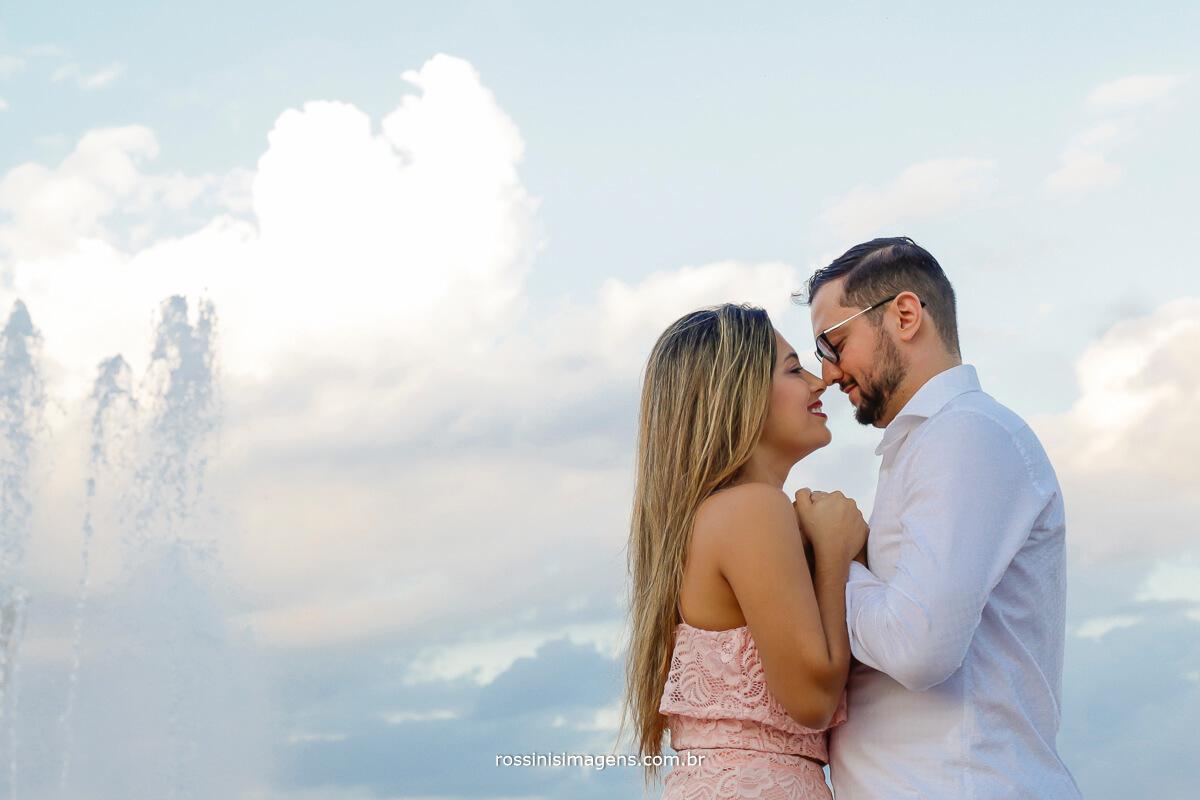 Andréia e Adhan no ensaio pre casamento em Guararema, cidade Turística de São Paulo, por rossinis imagens pre wedding