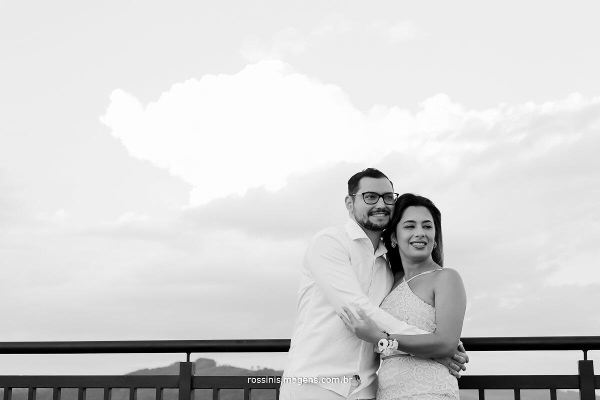 fotografia pb, preto e branco, ensaio de casal, pre casamento, pre wedding, rossinis imagens, casamento em mogi das cruzes