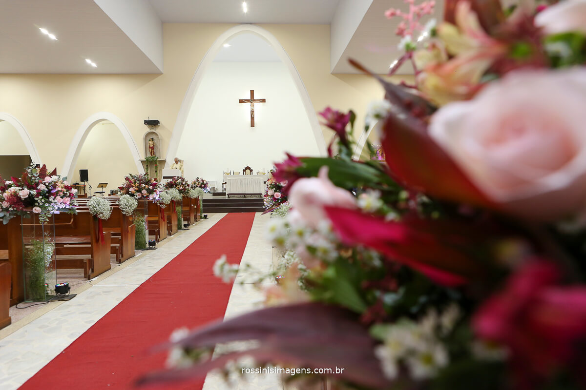 decoração da igreja de suzano por Maura Decor