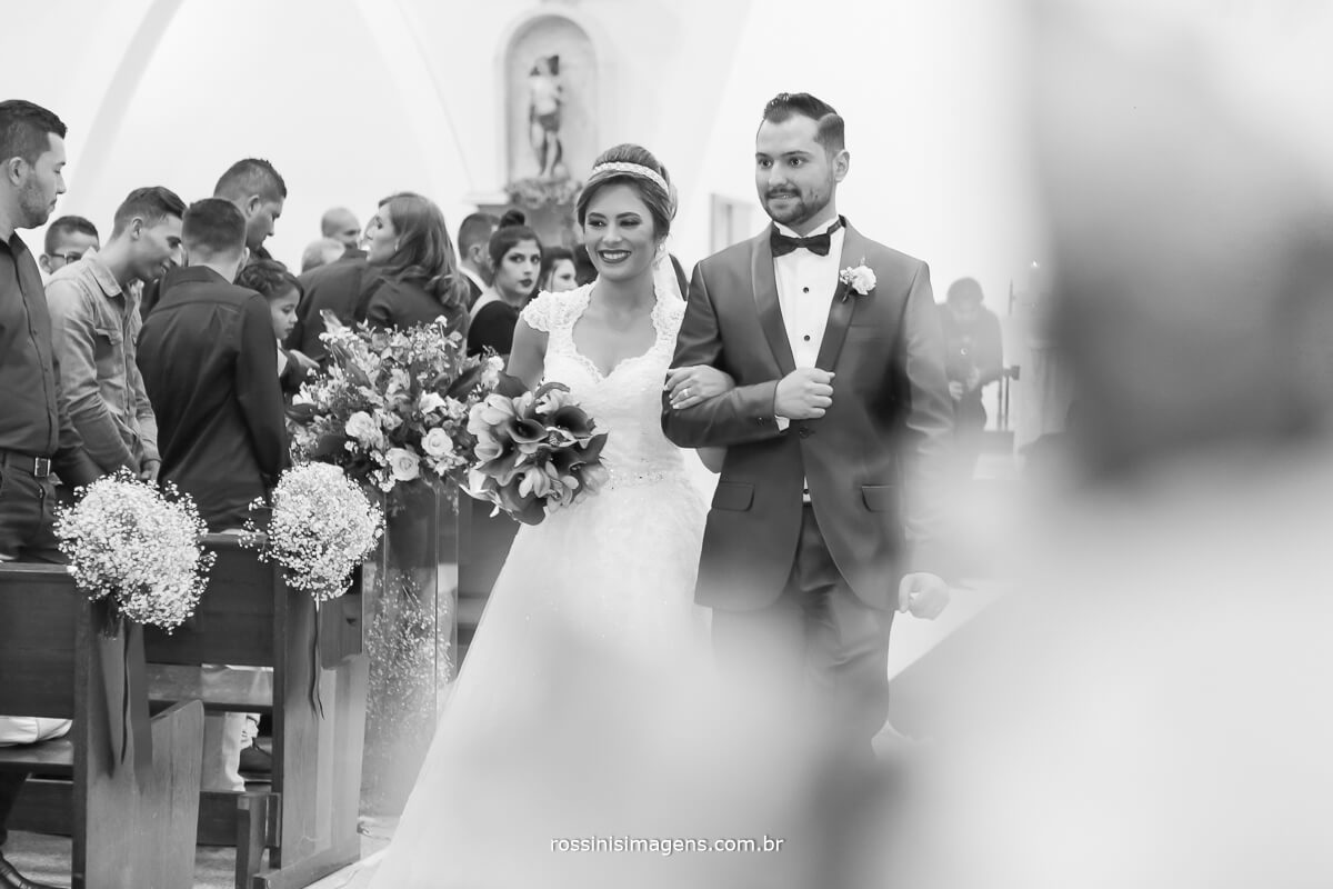 saída dos noivos animadas