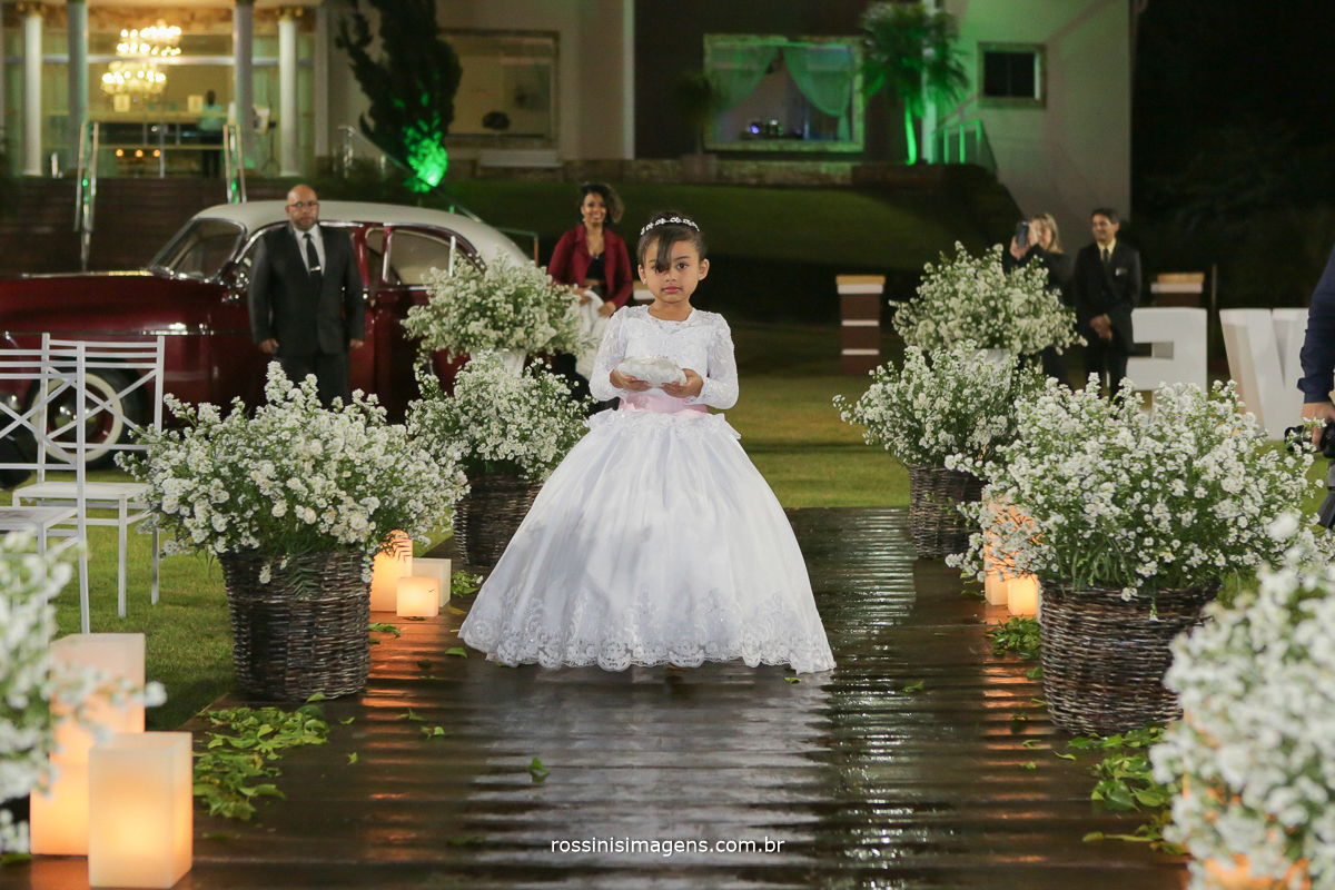 entrada das alianças, daminha, alianças, cerimonia de casamento