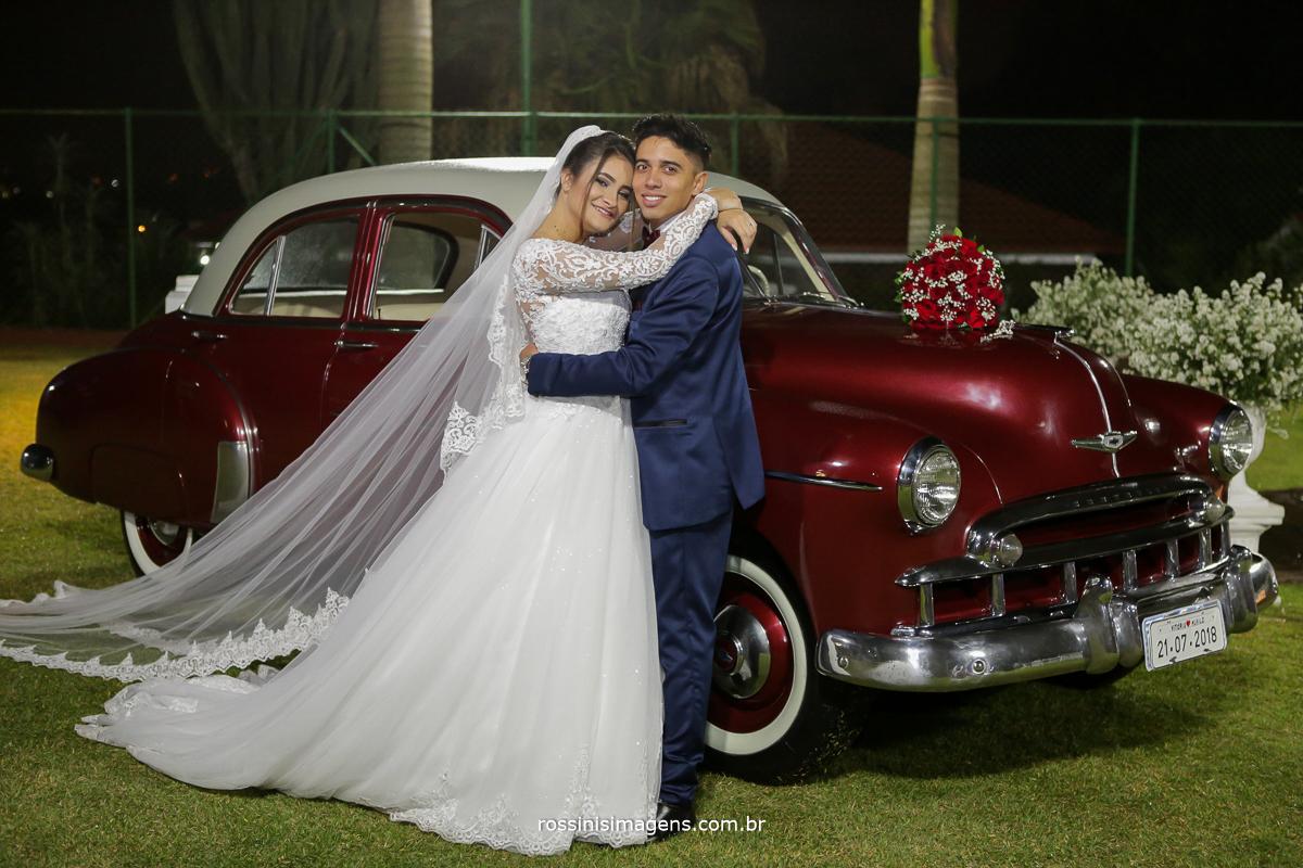sessão de fotos dos noivos apos a cerimonia de casamento na chácara torres,