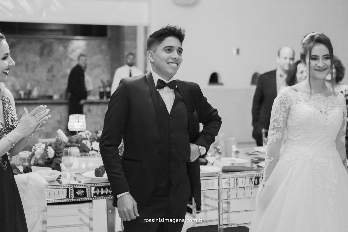 surpresa do noivo para a noiva, grêmio de samba