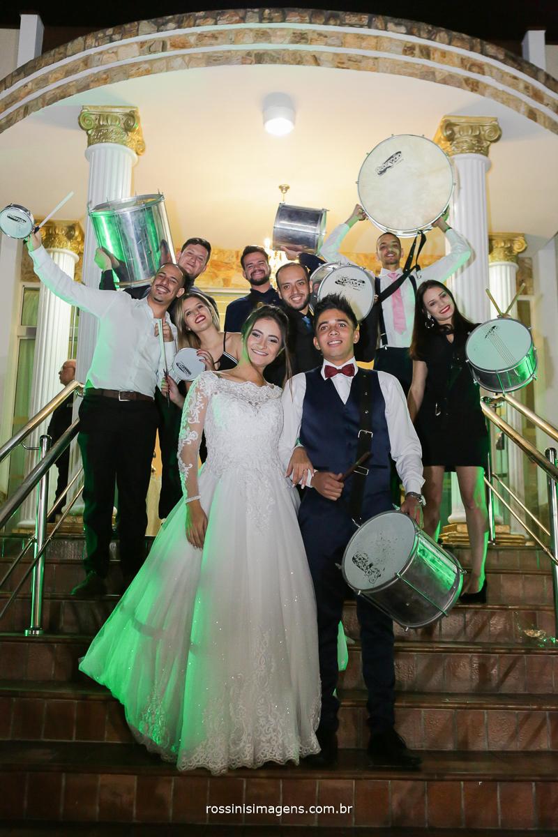 escola de samba da faculdade de mogi das cruzes no casamento da vitoria e murilo na chácara torres em poá