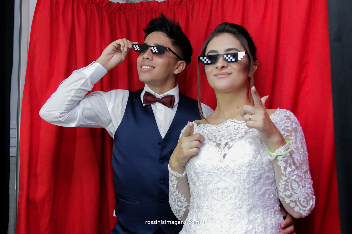 noivos na fotocabine, do vem pra foto, cabine, casal, rossinis imagens wedding day