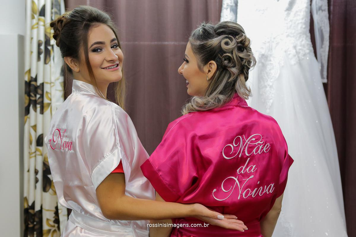 mãe da noiva no making of, dia da noiva, robe personalizado, rossinis imagens fotografia de casamento