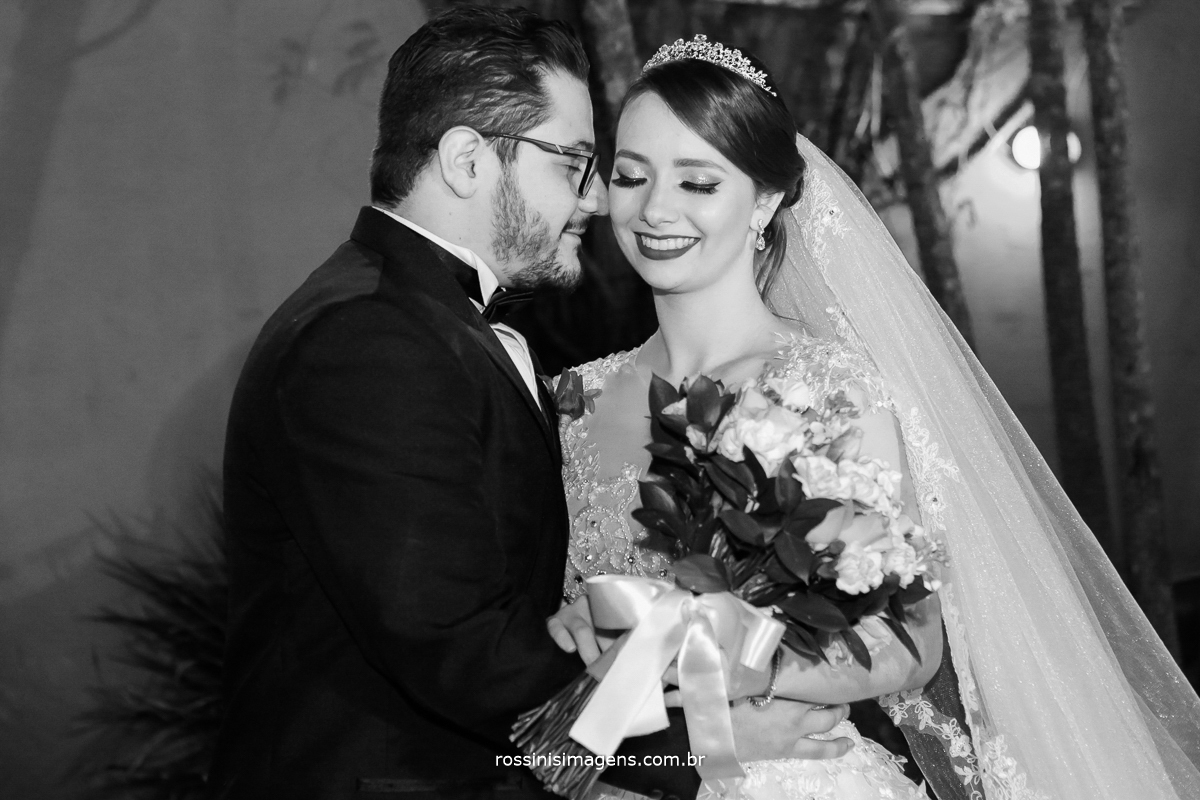fotografo de casamento ensaio do casal, noivos, sentimento, amor, alegria, felicidade, thais e renan, rossinis imagens casamento em poá