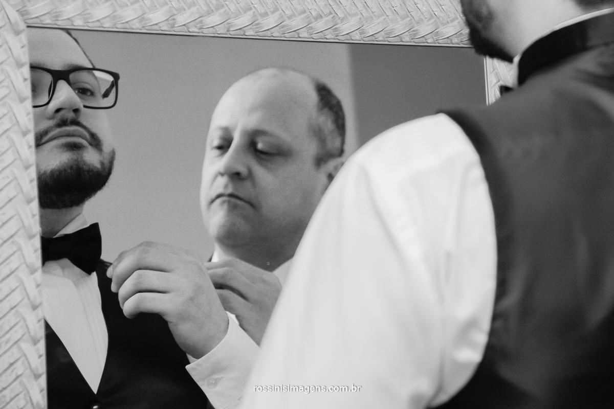 pai e filho juntos família unida, casamento, making of noivo, dia do noivo, poá, suzano, mogi, são paulo, sp, rossinis imagens