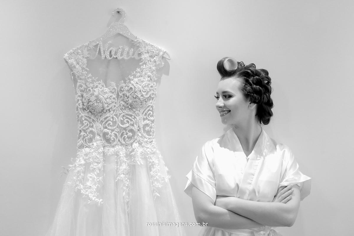 noiva linda, fotografia preto e branco, vestido de noiva da faggion noivas e foto rossinis imagens