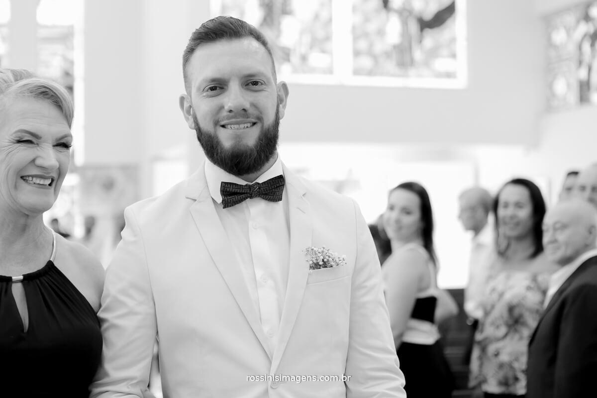fotografo de casamento em suzano sp rossinis imagens, noivo chorando no altar