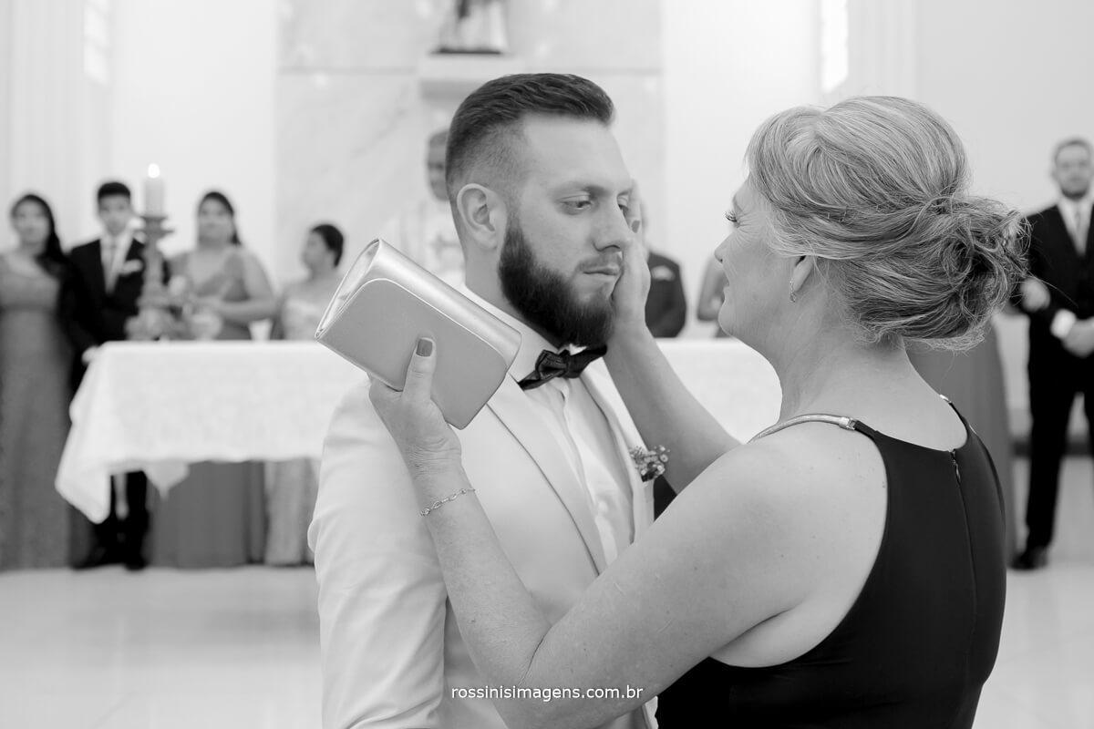 fotografo de casamento em suzano sp rossinis imagens, noivo emocionado, fernanda e paulo