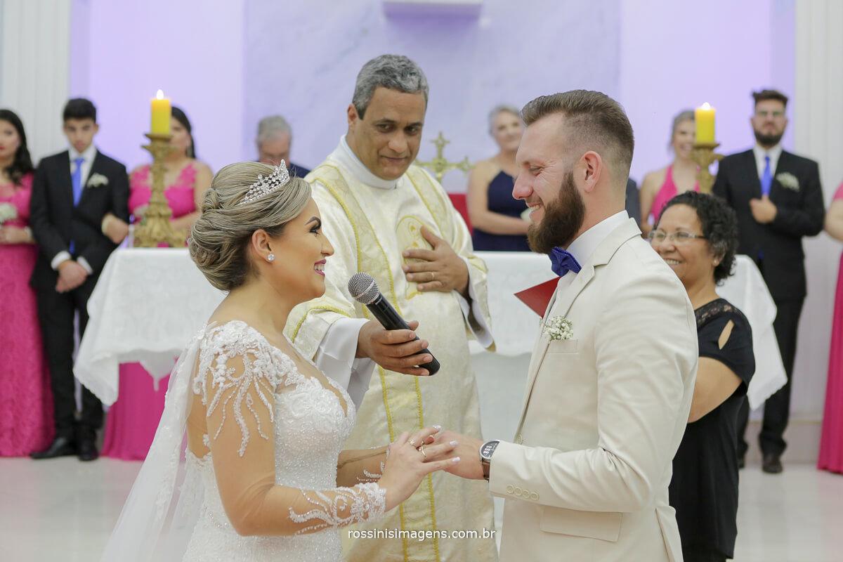 fotografo de casamento em suzano sp rossinis imagens, alianças o elo que une o casal a Deus