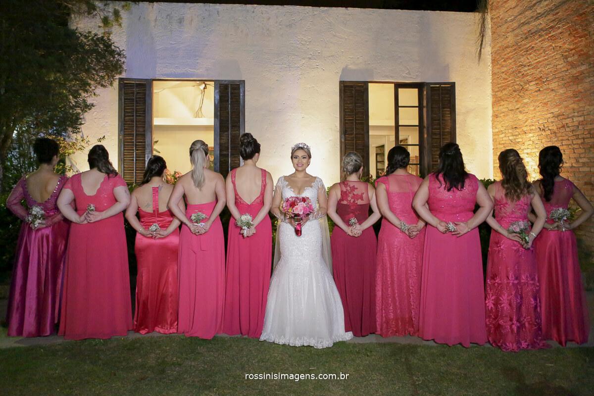 fotografo de casamento em suzano sp rossinis imagens, madrinhas de rosa, madrinhas e noiva com buquê de flores, noivas no campo, casamento no campo, chacara recanto verde