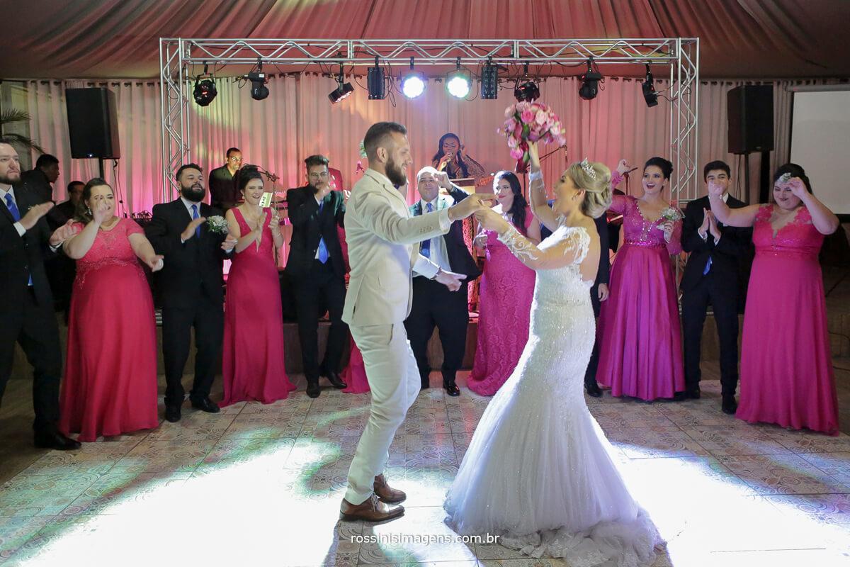 fotografo de casamento em suzano sp rossinis imagens, foto de balada, dança dos noivos, fist dance, primeira dança, fernanda e paulo recanto verde