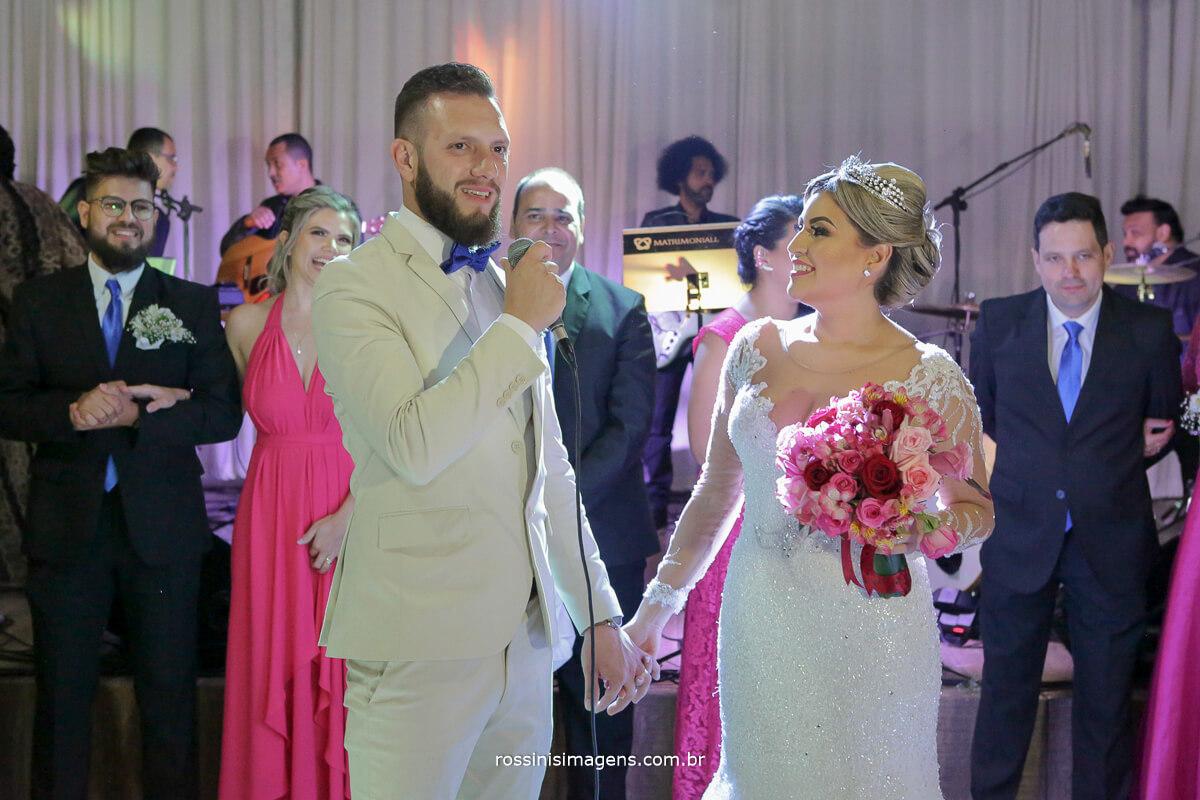 fotografo de casamento em suzano sp rossinis imagens,  discurso do noivo, agradecimento aos convidados fernanda e paulo