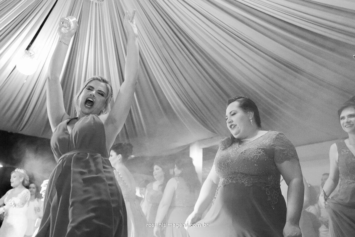 fotografo de casamento em suzano sp rossinis imagens, balada danca na pista, energia que contagia balada com banda matrimonial