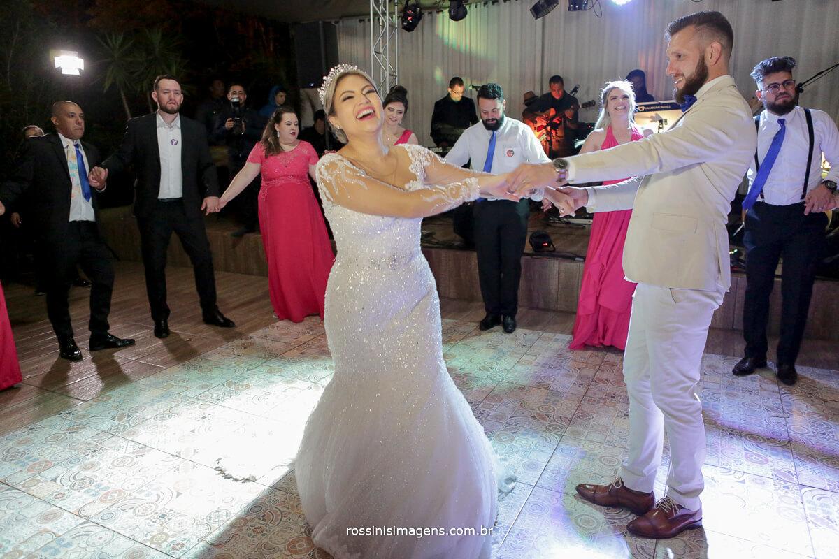 fotografo de casamento em suzano sp rossinis imagens, primeira danca, danca dos noivos, first dance, #FirstdanceWedding