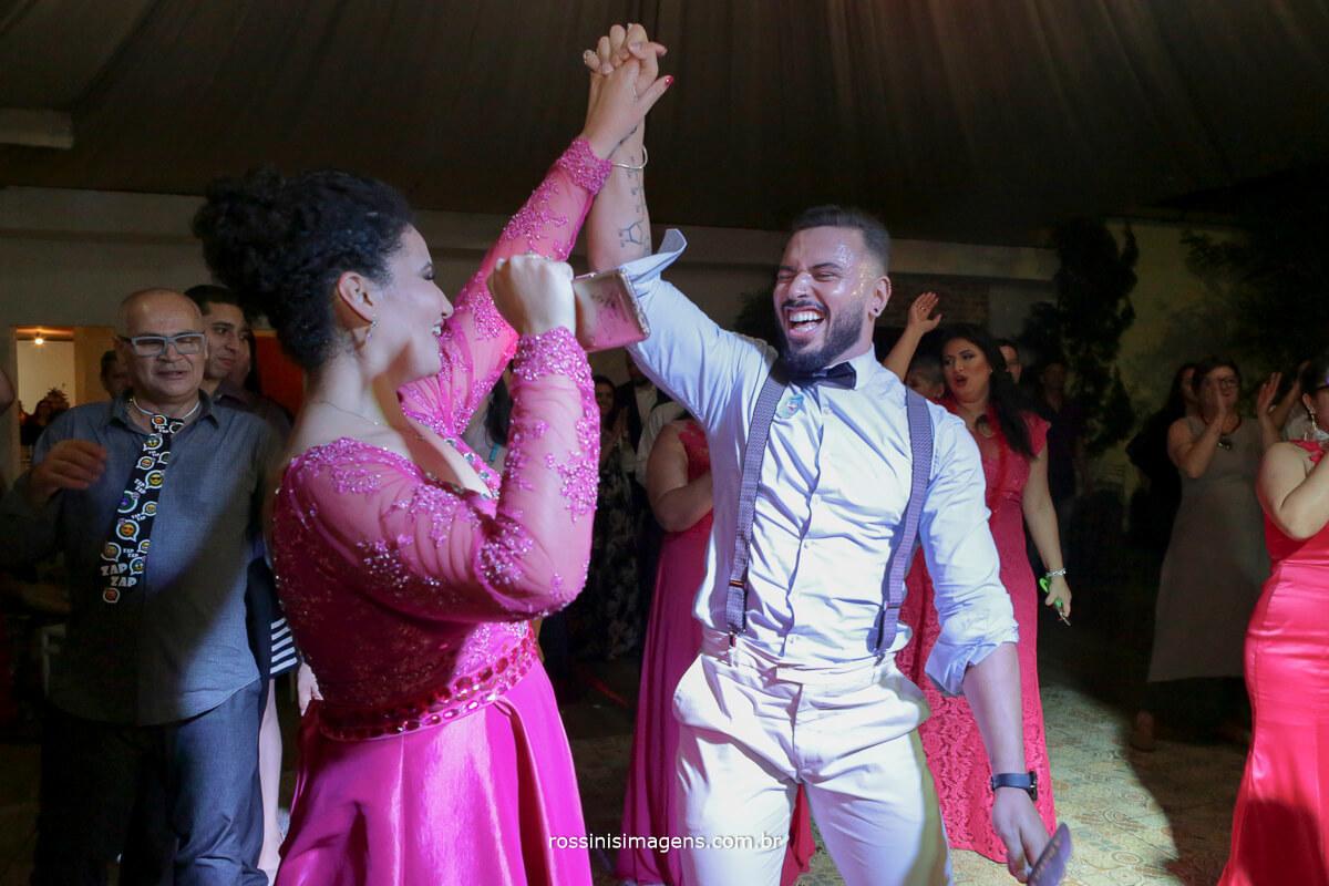 fotografo de casamento em suzano sp rossinis imagens, danca, balada, pista de danca cheia, casamento lindo, casamento perfeito, casamento no campo, noivas no campo