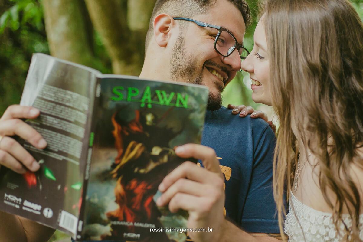 fotografo de ensaio pre casamento em Guararema sp rossinis imagens, mundo geek noivo nerd, inspiração de ensaio pre casamento, registrando a historia dos noivos e fotografias eternas, revista spawn