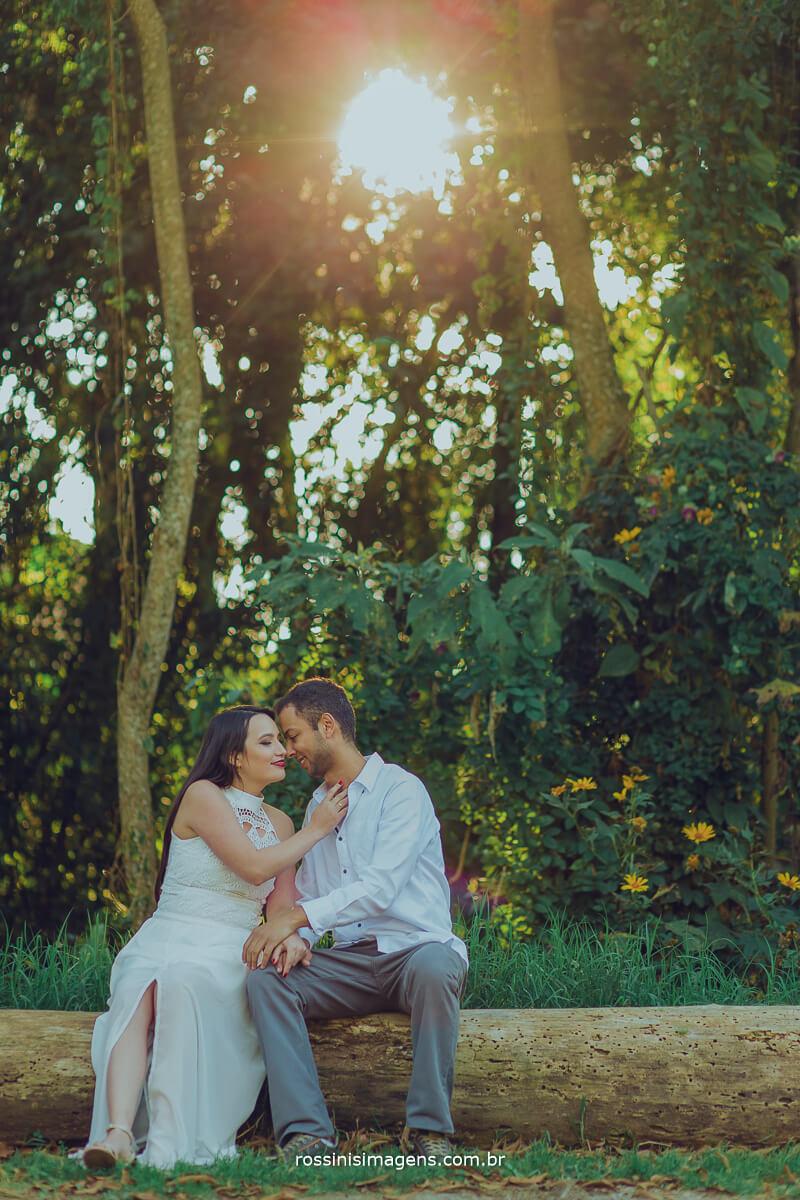 fotografo de ensaio pre casamento em campos do jordao sp rossinis imagens, noivos juntos em um lindo dia em campos do jordao