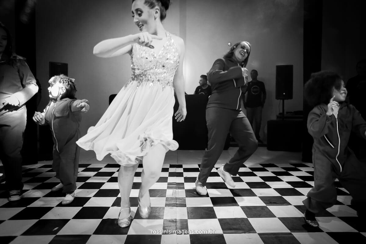 fotografo-festa-de-15-anos-debutante-rossinis-imagens-suzano-sp, pista de danca, animacao da balada festa de 15 anos