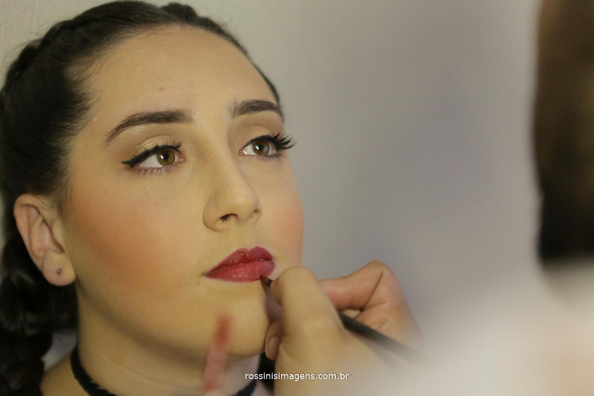 fotografo-festa-de-15-anos-debutante-rossinis-imagens-suzano-sp, maquiagem na debutante Andressa