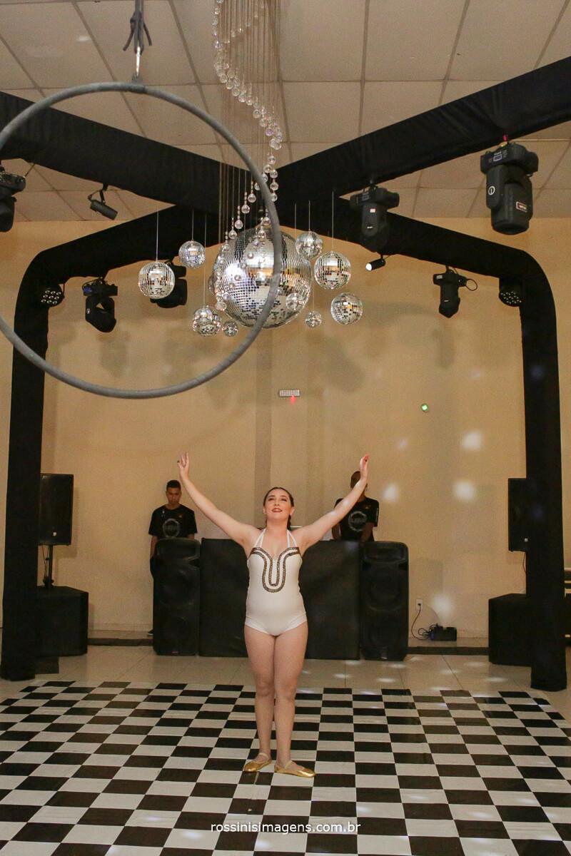 fotografo-festa-de-15-anos-debutante-rossinis-imagens-suzano-sp, apresentacao na lira, festa de 15 anos tematica circo